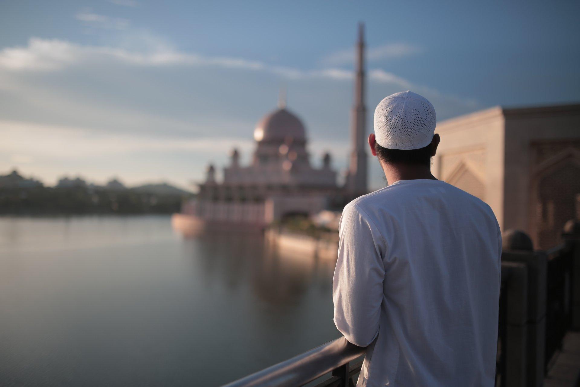 Cara Tegur Orang Tanpa Mengecilkan Hatinya, Ini Tips Dato' Dr. Haji Fadzilah Kamsah
